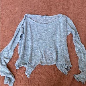 Light summer sweater crop